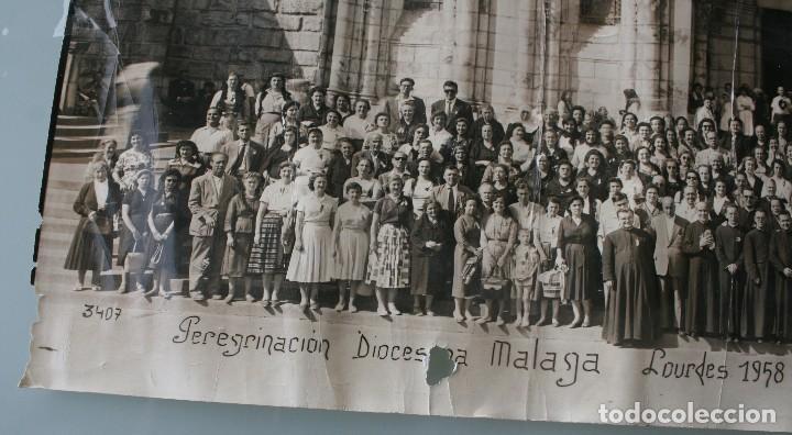 Antigüedades: FOTOGRAFIA NUMERADA CON MEDALLA: PEREGRINACIÓN DIOCESANA MALAGA LOURDES 1958 VER FOTOGRAFIAS - VIRON - Foto 2 - 75705115