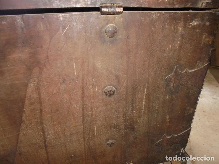 Antigüedades: Arca de nogal del SXVII - Foto 24 - 75068883