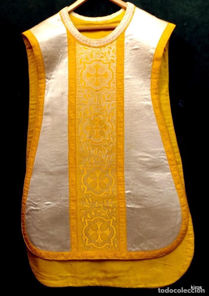 CASULLA DE SEDA. (Antigüedades - Religiosas - Casullas Antiguas)
