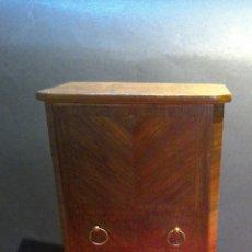 Antigüedades: CURIOSA CIGARRERA AÑOS 40 EN MADERA DE RAIZ. Lote 75786846