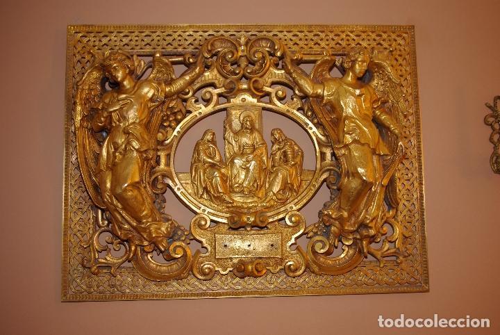 ESPECTACULAR PLACA BRONCE CON ORO AL MERCURIO DE MAUSOLEO O PANTEÓN ANTIGUA (Antigüedades - Religiosas - Orfebrería Antigua)