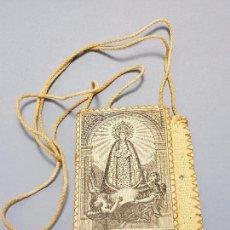 Antigüedades: ANTIGUO Y ELABORADO ESCAPULARIO EN TEXTIL DE LA VIRGEN DE LA ASUNCIÓN ELCHE PP.SG.XX . Lote 75868975