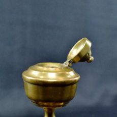Antigüedades: QUINQUÉ DE METAL (SIN MECHA) DE 10 CM DE ALTO POR 6,5 DE BASE. Lote 75923547