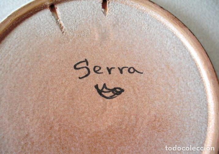 Antigüedades: SERRA, Plato de cerámica 31 cm diámetro. Firmado. - Foto 4 - 75925027