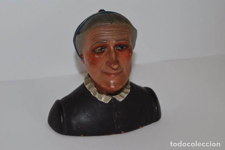 CAMPESINA DE TERRACOTA - TIPO BUXÓ - OLOT - CIRCA 1900 - FIGURA DE BARRO (Antigüedades - Porcelanas y Cerámicas - Otras)