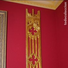 Antigüedades: TABLA DE RETABLO NEOGÓTICA DORADA AL ESTUCO. Lote 76005315