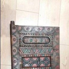 Antigüedades: PUERTA ANTIGUA DE MADERA. Lote 76017941