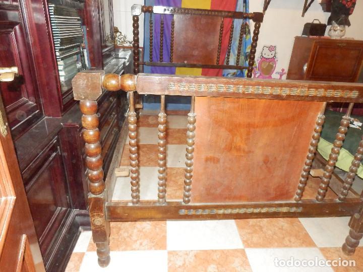 Cama en madera muy antigua tallada y torneado c comprar camas antiguas en todocoleccion 76100375 - Cabecero madera tallada ...