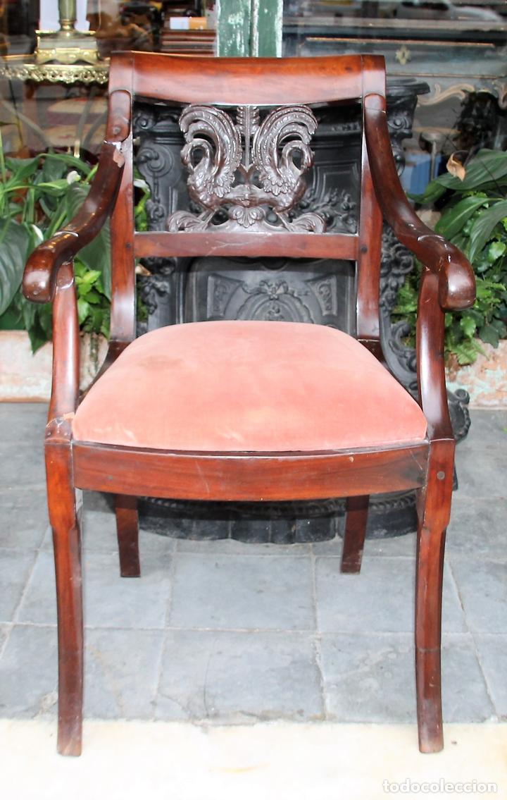 SILLÓN IMPERIO. MADERA DE CAOBA. ESPAÑA. CIRCA 1820. (Antigüedades - Muebles Antiguos - Sillones Antiguos)