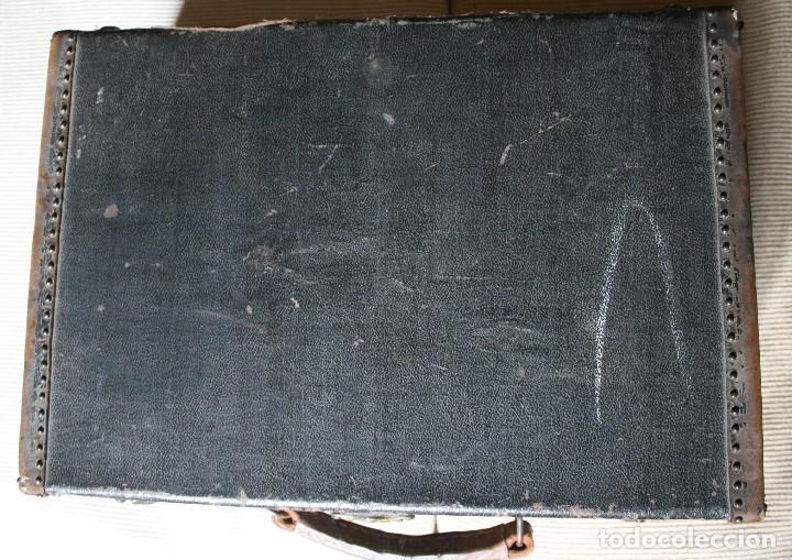 Antigüedades: ANTIGUA MALETA VIAJE REFORZADA ANTIGUOS REMACHES ASA CUERO CERRADURAS BRONCE PRINCIPIOS DE 1900 - Foto 5 - 76165335
