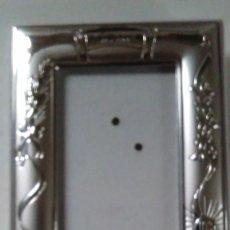 Antigüedades: MARCO PARA FOTOGRAFÍA EN PLATA DE LEY CON MARCHAMO. Lote 76237899