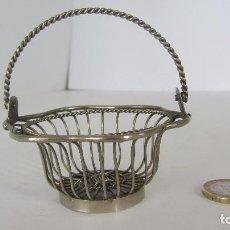 Antigüedades: CESTA MINIATURA DE METAL. Lote 76386171