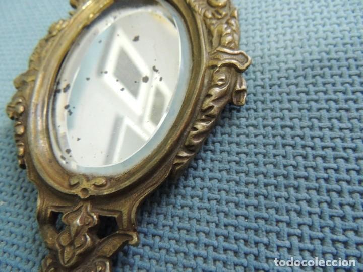 Antigüedades: espejo de mano siglo XIX bronce - Foto 4 - 216616255