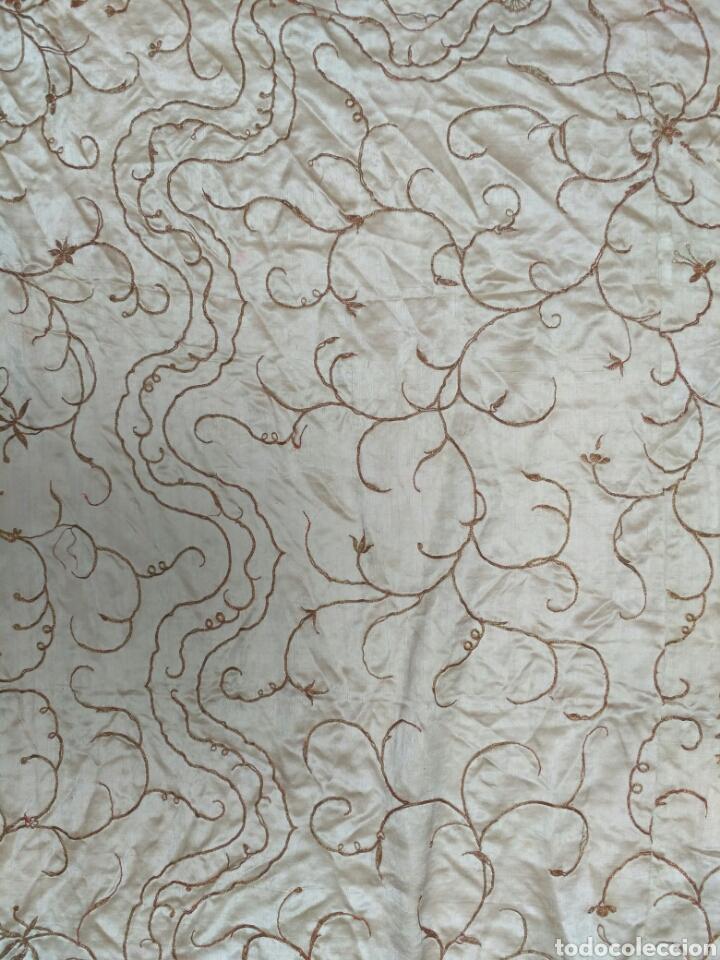 Antigüedades: Colcha de seda bordado a mano con hilo de oro del siglo XIX - Foto 5 - 76446443