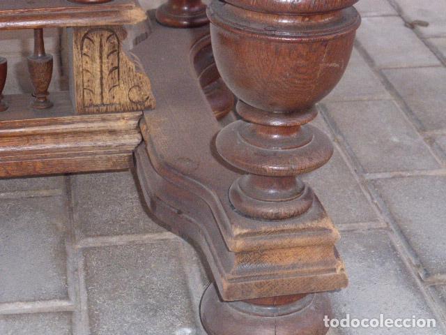 Antigüedades: ANTIGUA MESA DE CENTRO DE MADERA DE ROBLE. LIQUIDACION POR CIERRE. - Foto 3 - 76582071