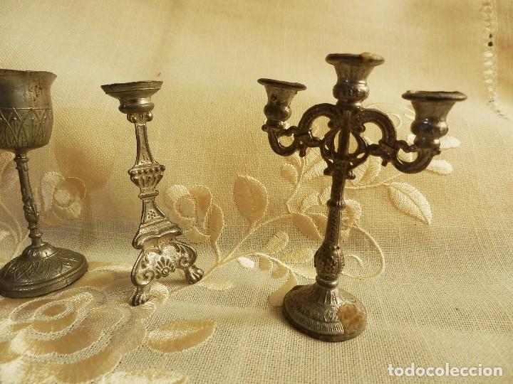 Antigüedades: Conjunto miniaturas antiguas para iglesia en estaño - 4 piezas - 7cms alto aprox - Foto 2 - 76588103