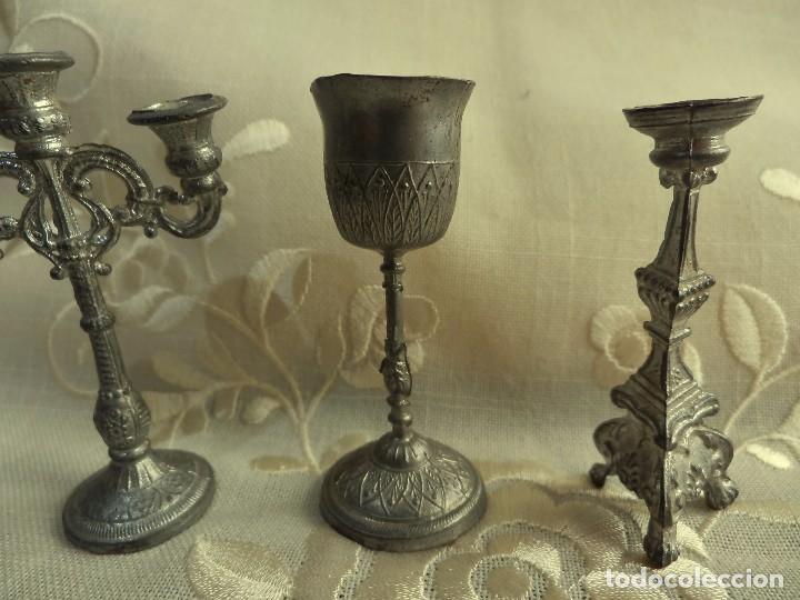 Antigüedades: Conjunto miniaturas antiguas para iglesia en estaño - 4 piezas - 7cms alto aprox - Foto 3 - 76588103