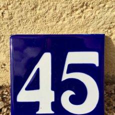 Antigüedades: ANTIGUO AZULEJO ESMALTADO CON EL NUMERO 45. Lote 76588279