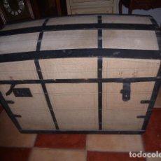 Antigüedades: ANTIGUO BAUL DE MADERA FORRADO Y CON EL INTERIOR TAPIZADO. LIQUIDACION POR CIERRE. . Lote 76625935