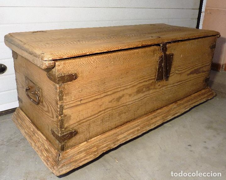 Gran arc n o arca de madera de pino siglo xvii comprar ba les antiguos en todocoleccion - Herrajes muebles antiguos ...