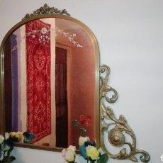 Antigüedades: BONITO ESPEJO DE BRONCE. Lote 76740466