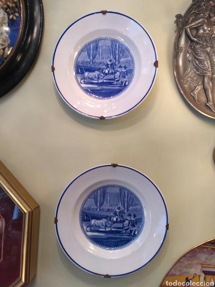 Antigüedades: Platos de loza vidriada de la Cartuja del siglo XX - Foto 4 - 76837566