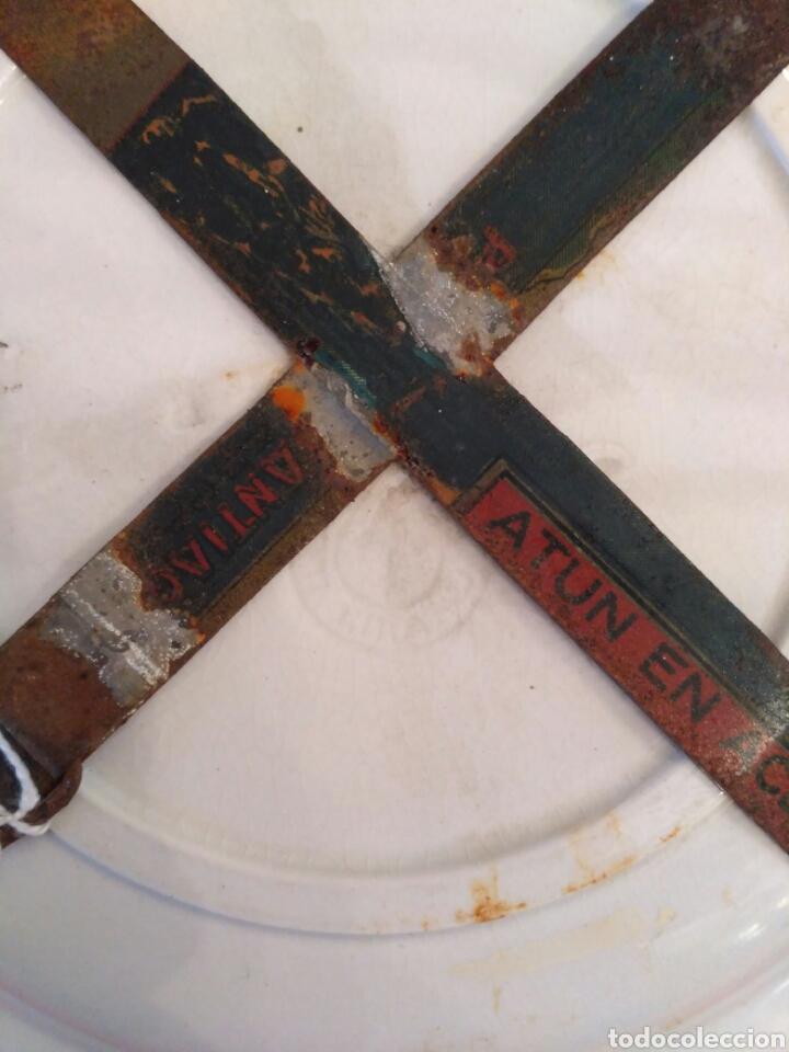 Antigüedades: Platos de loza vidriada de la Cartuja del siglo XX - Foto 6 - 76837566