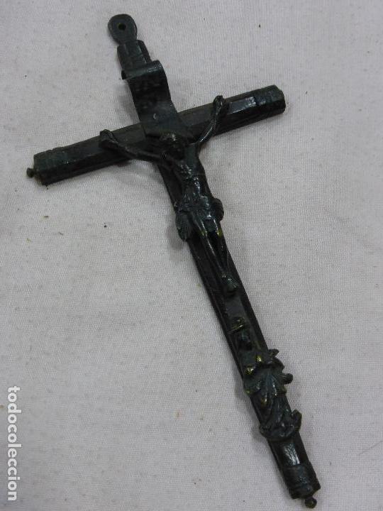ANTIGUO CRUCIFIJO PECTORAL RENACENTISTA-BRONCE-CRUZ FILETEADO NOGAL O PALOSANTO-ORIGINAL S. XVI (Antigüedades - Religiosas - Crucifijos Antiguos)