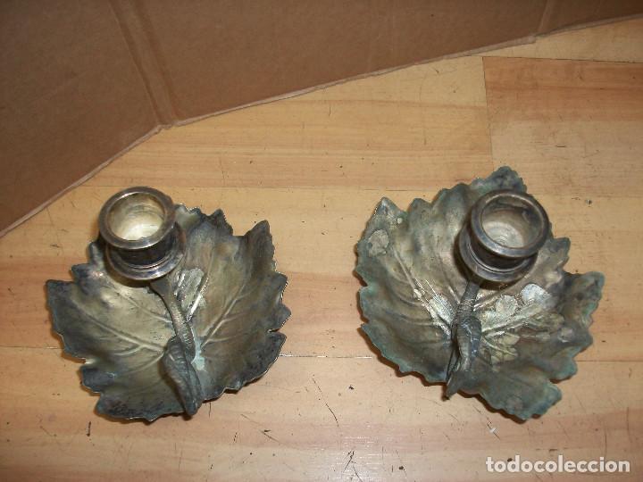 Antigüedades: ANTIGUA PAREJA DE PORTA VELAS-BRONCE PLATEADO - Foto 2 - 76915815