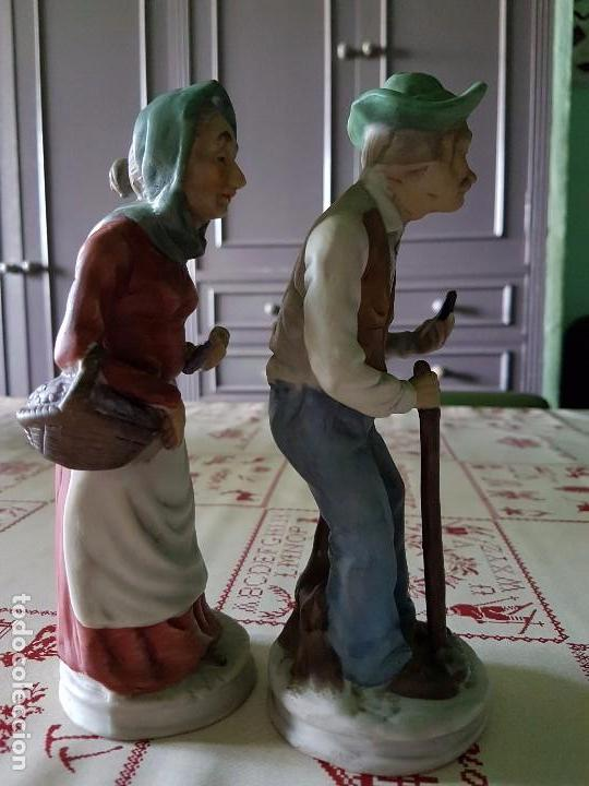 Antigüedades: Figuras de porcelana de taiwan pareja de ancianos 19 × 7 cm - Foto 5 - 77142193