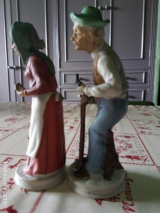 Antigüedades: Figuras de porcelana de taiwan pareja de ancianos 19 × 7 cm - Foto 6 - 77142193