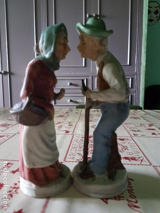 Antigüedades: Figuras de porcelana de taiwan pareja de ancianos 19 × 7 cm - Foto 7 - 77142193