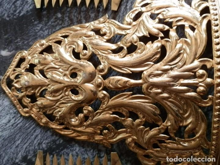 Antigüedades: JUEGO PEINETAS INDUMENTARIA FIESTAS VALENCIANA,AÑOS 50-60,LATON DORADO,ADULTA,MUY BUENA CONSERVACION - Foto 2 - 78774106