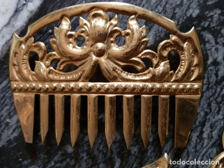 Antigüedades: JUEGO PEINETAS INDUMENTARIA FIESTAS VALENCIANA,AÑOS 50-60,LATON DORADO,ADULTA,MUY BUENA CONSERVACION - Foto 3 - 78774106