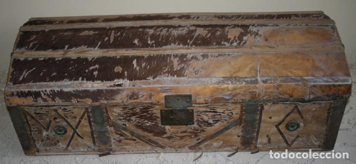 Baul antiguo forrado de piel siglo xix para r comprar - Restaurar baules antiguos ...