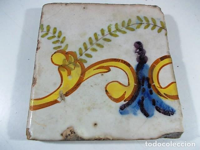 ANTIGUO AZULEJO XVII-XVIII VALENCIANO DE CENEFA (Antigüedades - Porcelanas y Cerámicas - Azulejos)