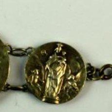 Antigüedades: M-734. PULSERA DE MEDALLAS RELIGIOSAS EN PLATA. 5 ESLABONES. AÑO 1904. Lote 77409753
