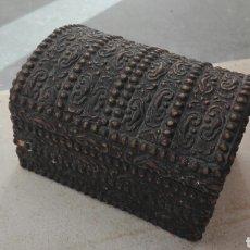 Antigüedades: ANTIGUO COFRE - JOYERO DE MADERA. Lote 77508785