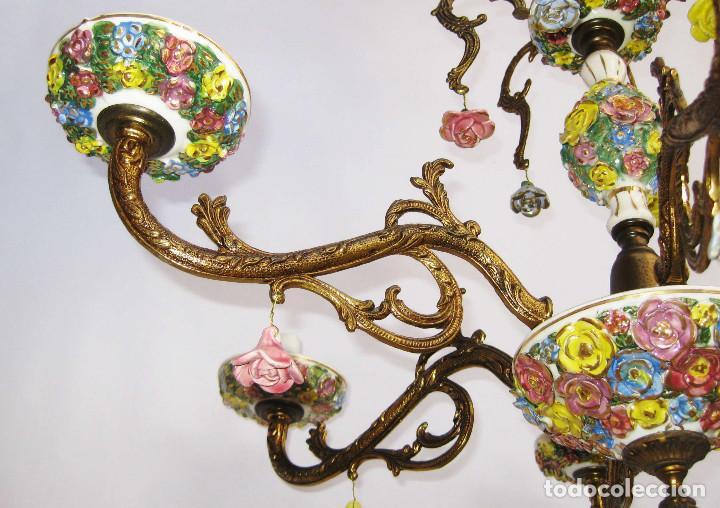 Antigüedades: LLAMATIVA LAMPARA ANTIGUA BRONCE Y FLORES CERAMICA MANISES SALON - Foto 5 - 77629761