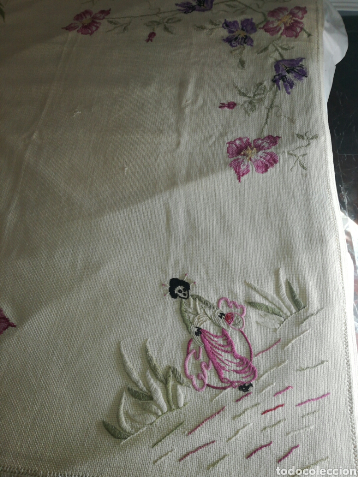 Antigüedades: Antiguo tapete bordado - Foto 2 - 225821895