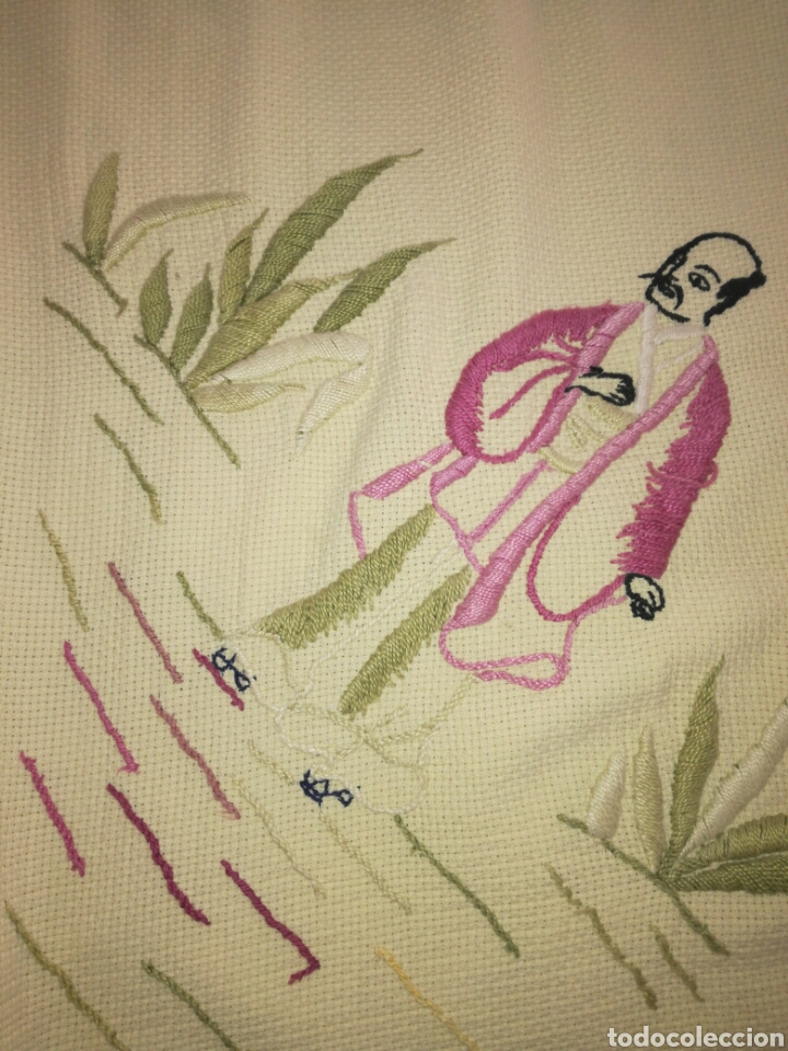 Antigüedades: Antiguo tapete bordado - Foto 7 - 225821895