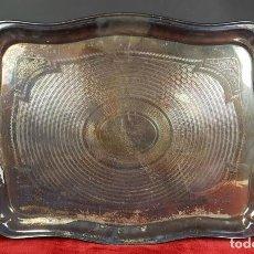 Antigüedades: BANDEJA DE SERVICIO EN METAL PLATEADO. PRINCIPIOS SIGLO XX. . Lote 77780761