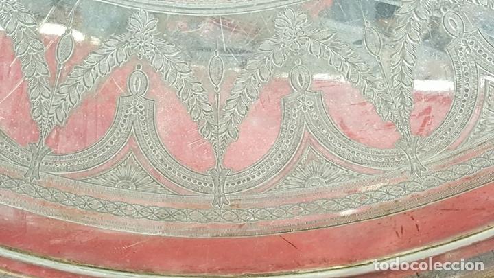 Antigüedades: BANDEJA DE SERVICIO EN PELTRE PLATEADO. FORMA OVAL. MEDIADOS SIGLO XX. - Foto 5 - 77786753