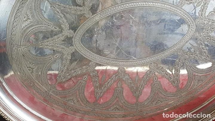 Antigüedades: BANDEJA DE SERVICIO EN PELTRE PLATEADO. FORMA OVAL. MEDIADOS SIGLO XX. - Foto 7 - 77786753