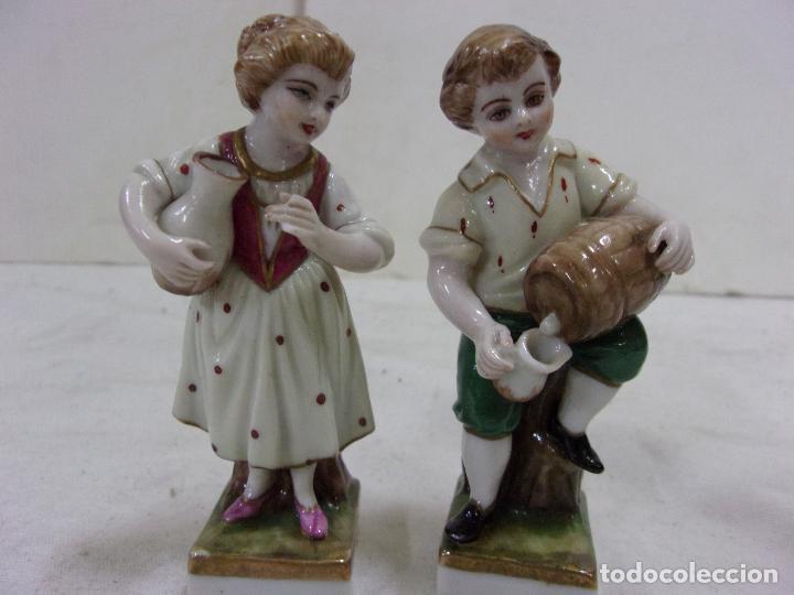 PAREJA DE PORCELANAS NÁPOLES (Antigüedades - Porcelanas y Cerámicas - Otras)