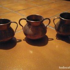 Antigüedades: LOTE DE TRES OLLITAS DE COBRE. 8'5 CM DE ALTURA.. Lote 77899041