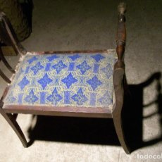 Antigüedades: TABURETE TAPIZADO AÑOS 30. Lote 77906813