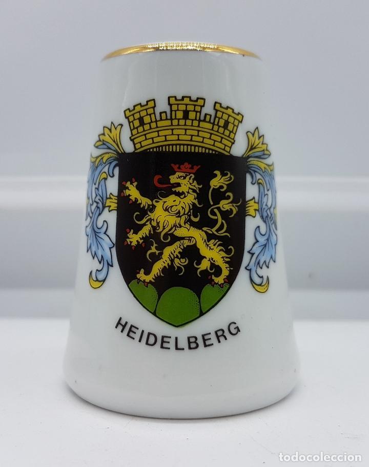 SALERO ANTIGUO DE COLECCIÓN EN PORCELANA ALEMANA CON ESCUDO HEIDELBERG . (Antigüedades - Porcelana y Cerámica - Alemana - Meissen)