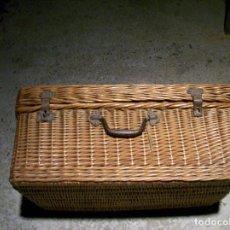 Antigüedades: CESTO DE MIMBRE ANTIGUO PARA LLEVAR COMIDA AL CAMPO.. Lote 78046965