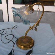 Antigüedades: LÁMPARA FLEXO DE SOBREMESA EN BRONCE. Lote 78095173
